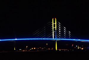 Beleuchtete Rügenbrücke am 20. Oktober Foto: Marius Jaster Foto: Marius Jaster