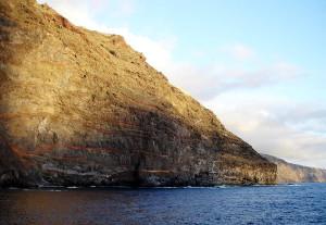 Das Blut der Erde - La Palma ist ein großer Vulkan, mit mehreren kleinen Geschwistern - vom Wasser geformt