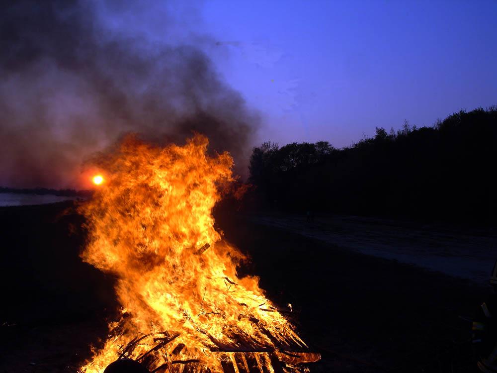Insel Rügen: Das dunkle Osterfest in diesem Jahr. Osterfeuermeile in Binz und viele andere Osterfeuer auch: Abgesagt!