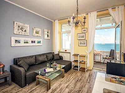 """Insel Rügen: Im Appartement """"Mohnblume"""" in der """"Villa Fürstenhof"""" in Sassnitz kannst Du vortrefflich Deinen Urlaub genießen!"""