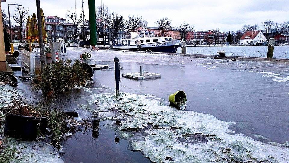 Die Ostsee läuft über… na ja, manchmal ist das so. Na und?
