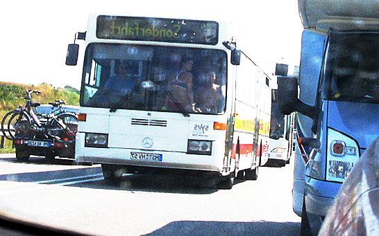 """Insel Rügen: Was macht das Mädchen im Bikini auf dem Armaturenbrett vom Busfahrer? Oder """"kriegen die das jetzt alle im Kopp?"""""""