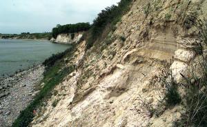 # Sandrutsch $ Marius Jaster (Autorennummer: 4027981) & BILD Rostock % 04/06/04 - Sassnitz: der abgerutschte Sand