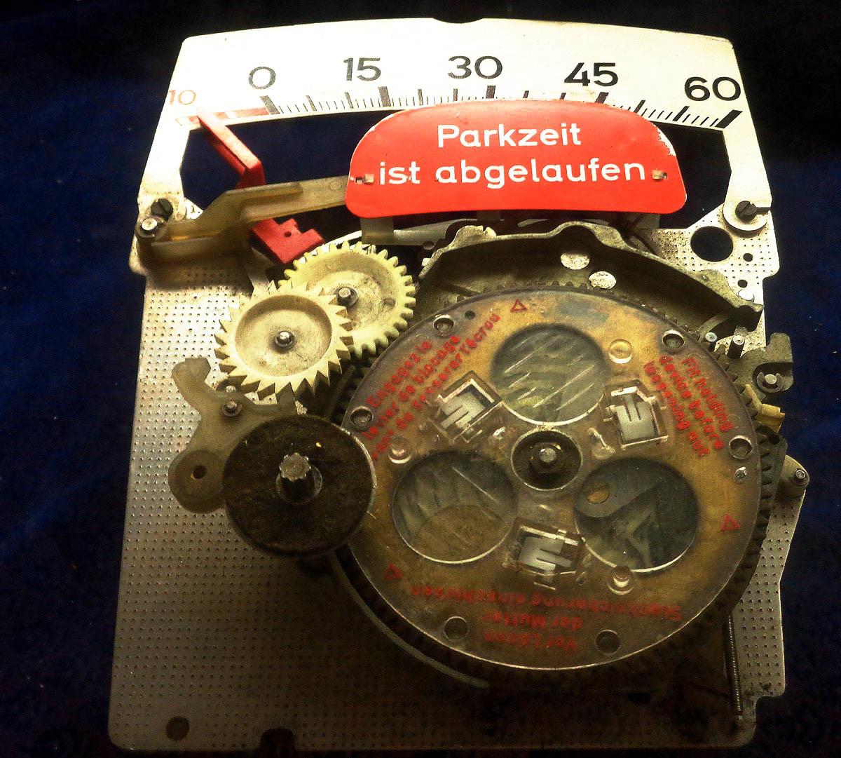 Die meisten Menschen sagen, sie haben keine Zeit. Kein Wunder, denn die wohnt in Putbus, im historischen Uhren- & Musikgerätemuseum