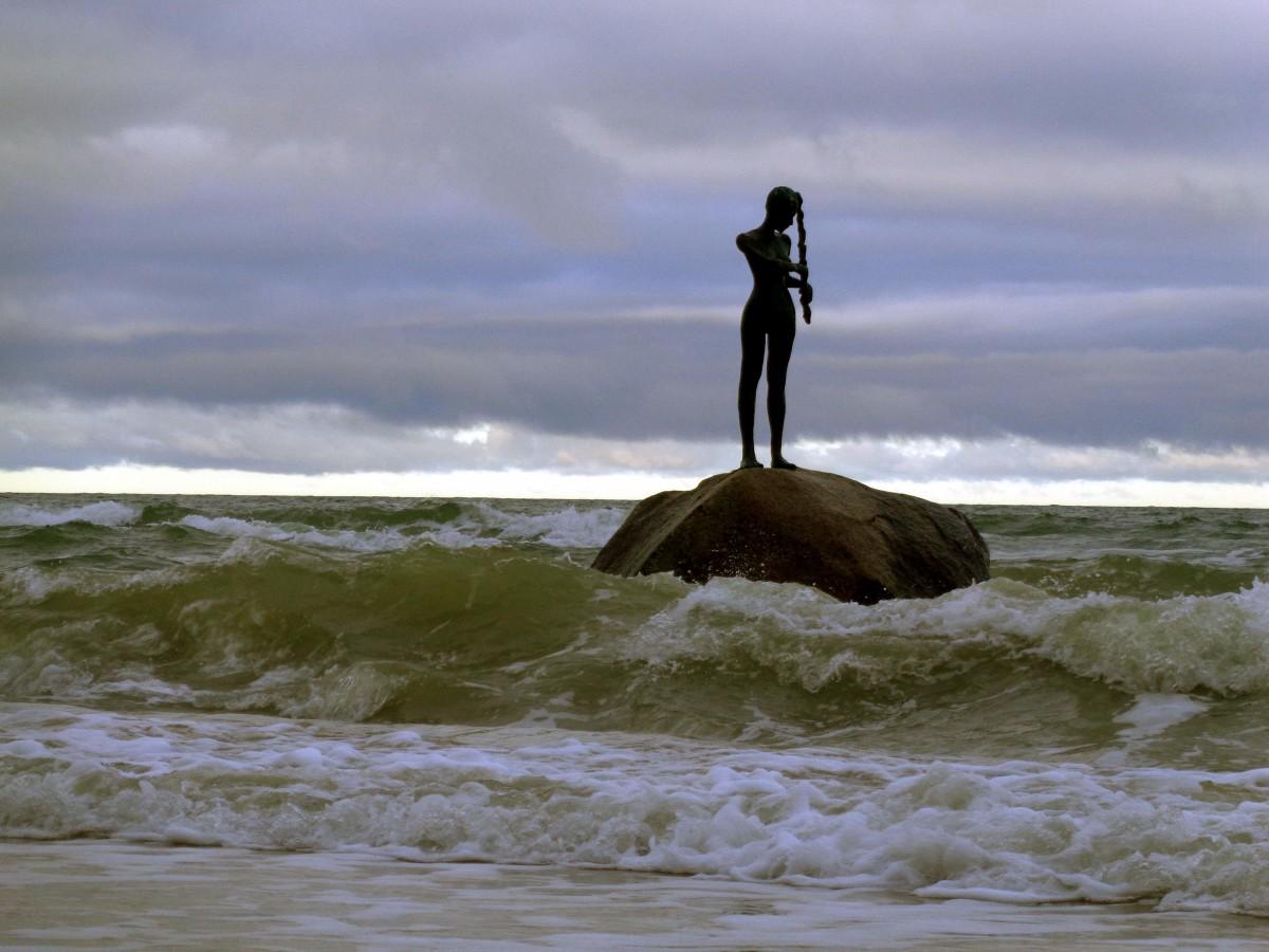 """Ganz entspannt – während die Ostsee Millionen vernichtet und """"Selina"""" sich alles Schöne abfriert!"""